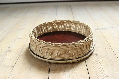 籐で編まれた深めのヴィンテージトレイ/かご