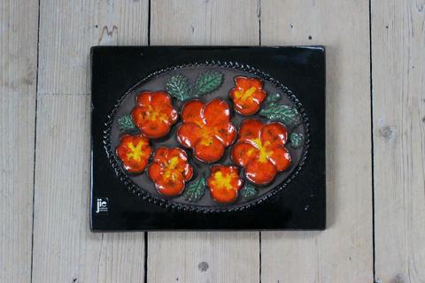 Jie Gantofta(ジィ・ガントフタ)オレンジ色のお花の陶板(M)