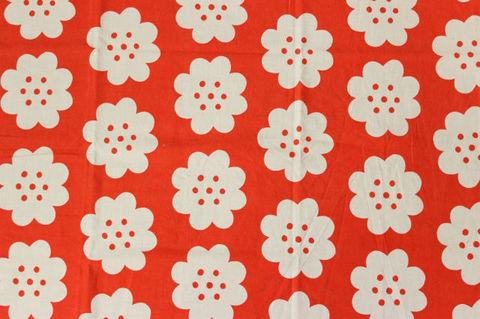 スウェーデンで見つけた赤×白いお花のレトロファブリック(55×111cm)