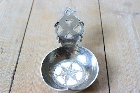 北スウェーデンの民族サーミ(Same)の錫製スプーンのオブジェ2
