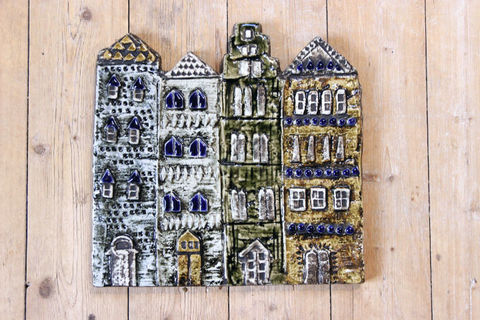 Lisa Larson(リサラーソン)  VAGGPLATTOR /Gamla Stan(ガムラスタン/旧市街)の陶板