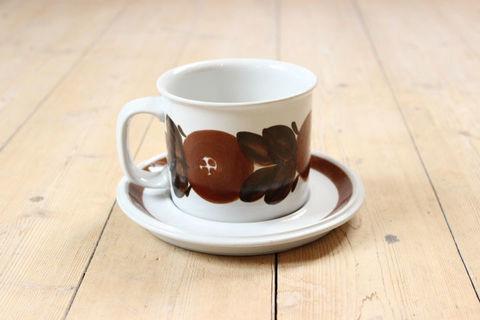 ARABIA(アラビア)/Rosmarin(ロスマリン)チョコレートマグ&ソーサー1