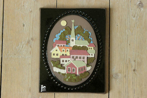 Jie Gantofta(ジィ・ガントフタ)スウェーデンの町並みの陶板(S)