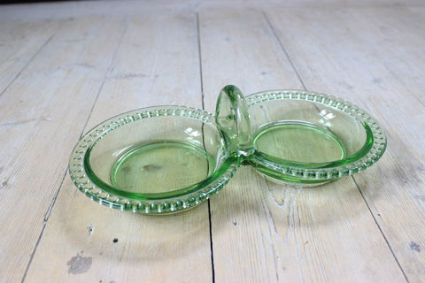 ビンテージガラスのサービングプレート(グリーン)