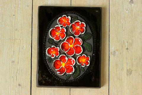 Jie Gantofta(ジィ・ガントフタ)赤いお花の陶板(M)