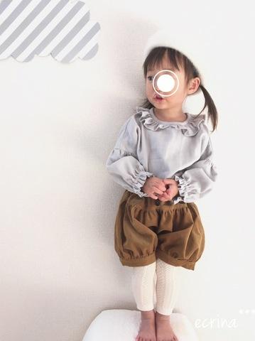 *オーダー子ども服:フリルブラウス