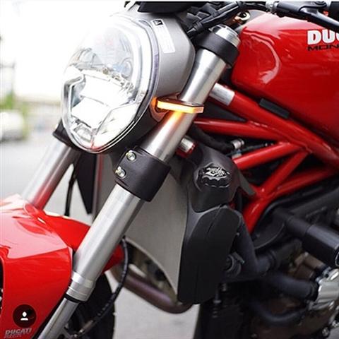 モンスター LED フロントウインカー