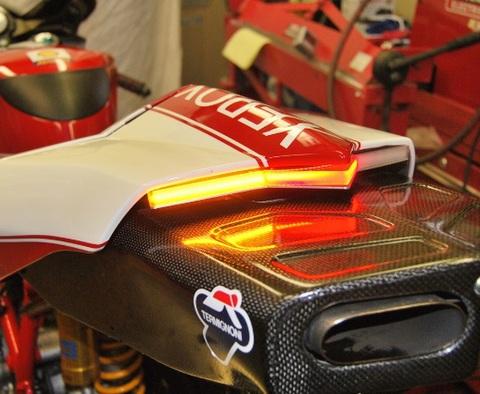 Ducati 749/999 ウインカー付フェンダーレスキット