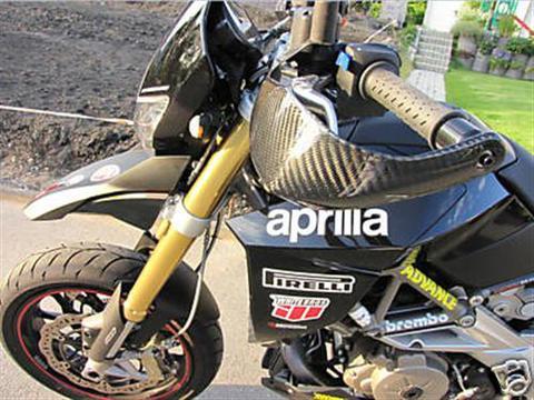アプリリア Dorsoduro SMV 750 カーボン ハンドプロテクター