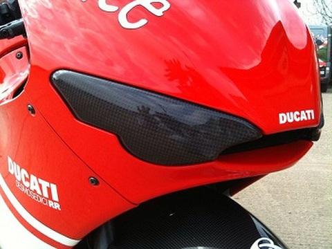 ドカティ デスモセディチ RR カーボン ライトカバー