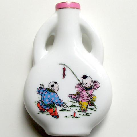 加耳大瓷瓶