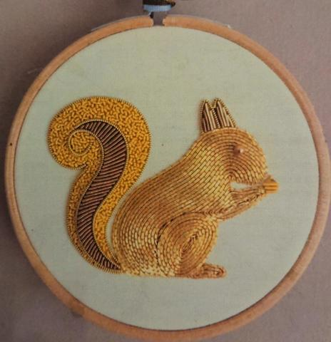 Becky Hogg Goldwork Kit リス