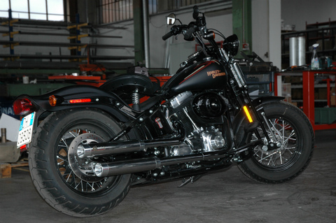 QD Exhaust Softail Cross Bones マフラー