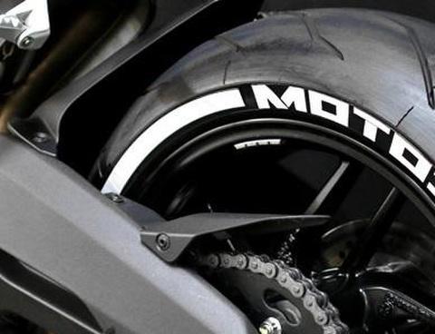 タイヤに貼るリムステッカー2