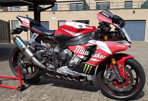 Pipewerx YZF-R1/M Carbon Edge マフラー