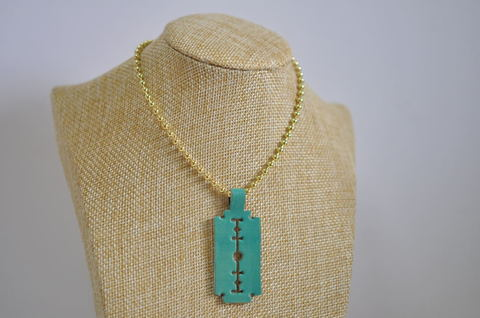 Turquoise razor blade leather necklace ターコイズブルー剃刀革ネックレス