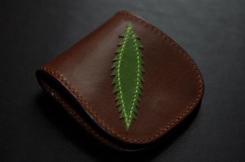 Lightning Leaf Coincase Brown