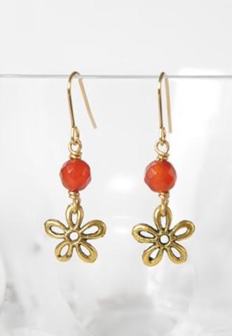 赤メノウのお花ピアス。(PR-128)