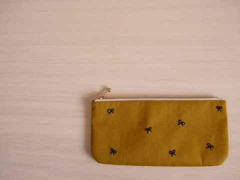 【Fioretto】ribbon&dot wallet-pouch (mustard×black)