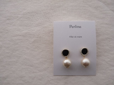 【Perline】black embroidery × cotton-pearl(M) pierce