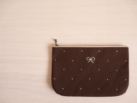 【Fioretto】ribbon&dot pouch L (chocolate×white)