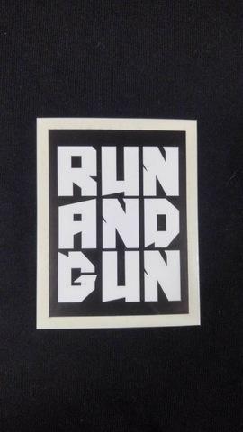 【耐水】ステッカーRUN and GUN