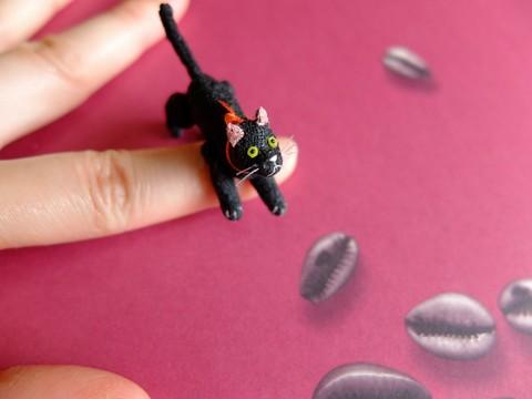 ミニチュア黒猫b