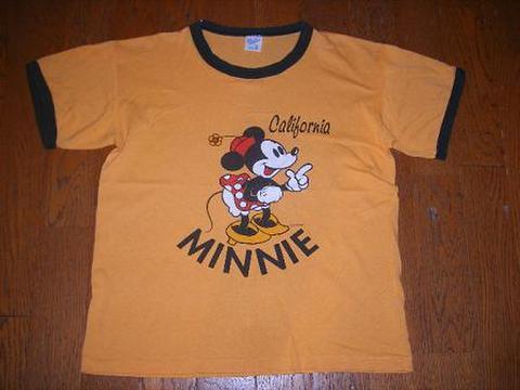 ミニーマウスのTシャツ