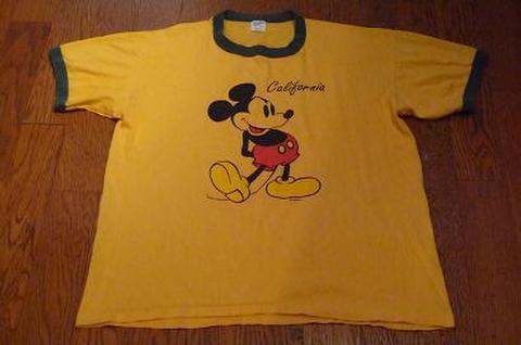 ミッキーマウスのTシャツ(イエロー)L
