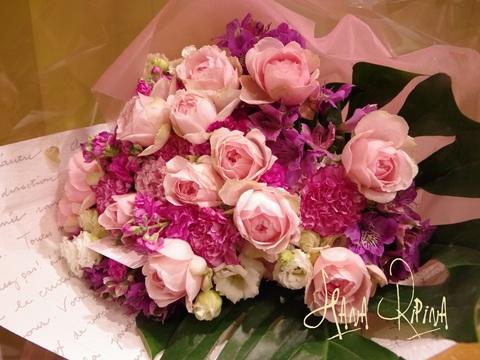 ふんわり優しい色合いの花束