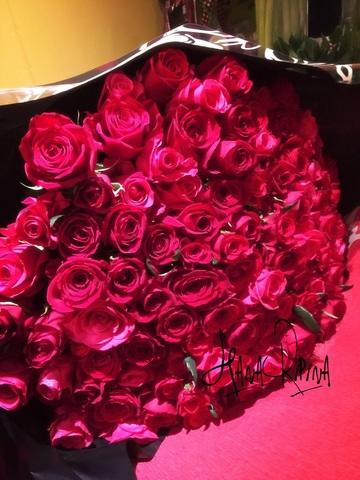 プロポーズ108本バラの花束
