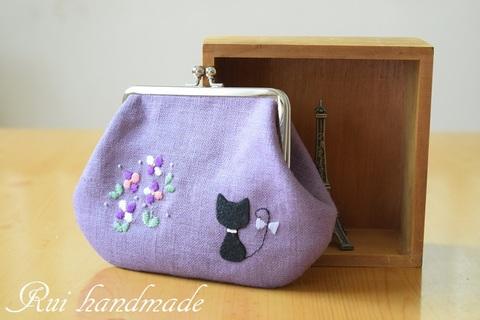 刺繍*お花と猫のがま口ポーチ(ラベンダー)