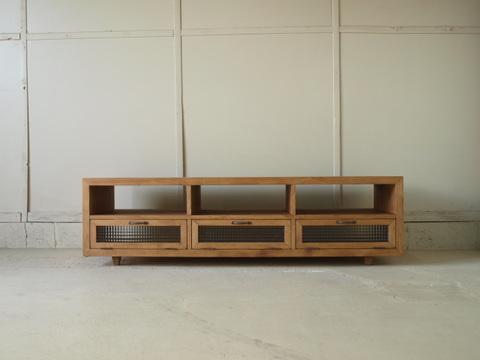テレビボード023W150L 150×42×45 無垢 チェッカーガラス扉 真鍮取っ手 テーパード脚