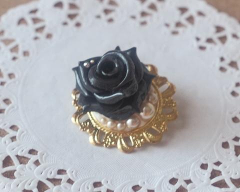 ゴシック薔薇ブローチ(ブラック)