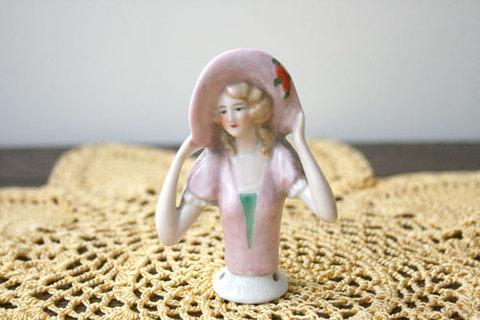 ☆希少☆ ピンクの帽子の腕を広げたハーフドール