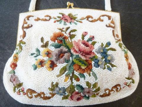 美しい総ビーズの刺繍バッグ