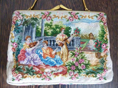 3人の美しい女性がモチーフのプチポワンバッグ