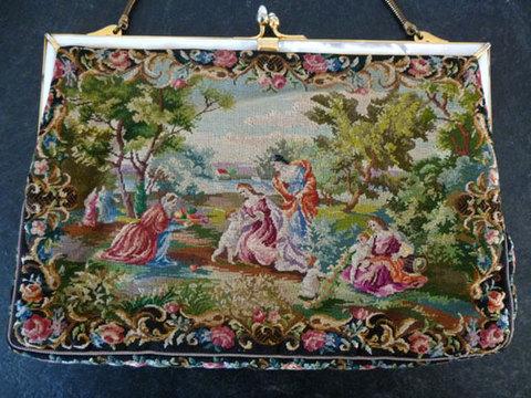 和やかな女性と子供の風景 マイクロプチポワンバッグ
