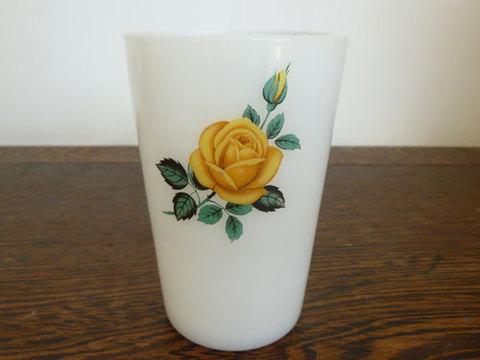 PHOENIX 黄色い薔薇模様のカップ