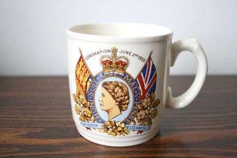エリザベス女王2世の戴冠記念 マグカップ