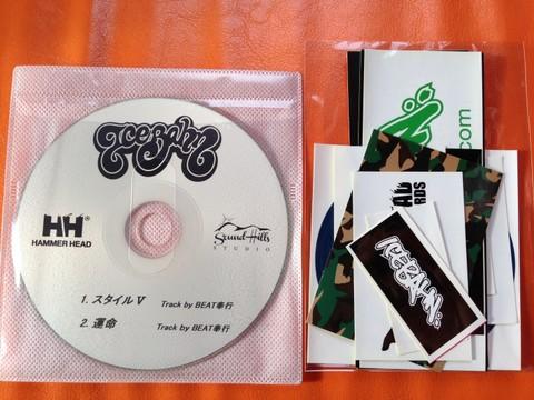 2曲入り特権CD&ステッカーセット(10枚)