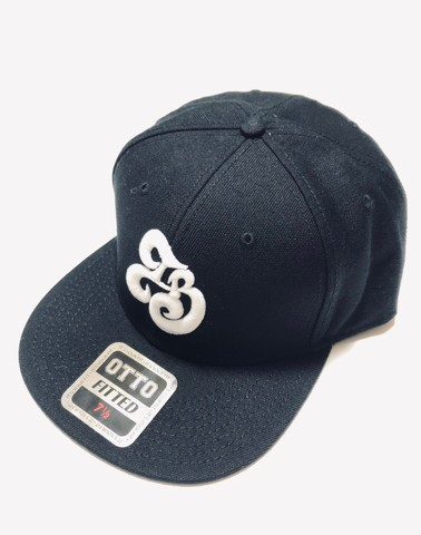 「IB×RHYME SAVER」Baseball Cap-ブラックボディ-前白×後白