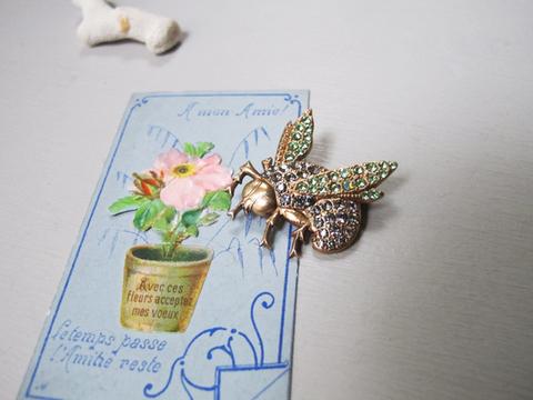 ヴィクトリアン 蜂ブローチ