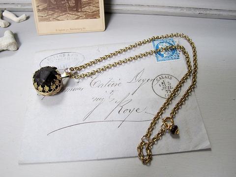 アルマディンガーネット 原石ネックレス