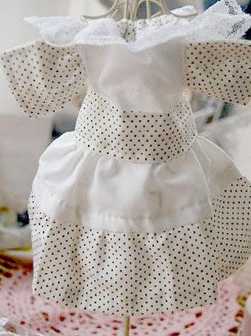 210 水玉のそでひらドレス・白