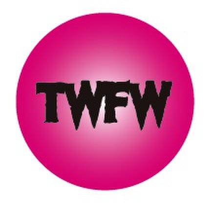 TWFW PINK METAL BADGE (直径57mm)