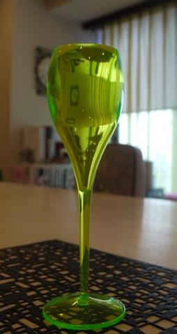 イタレッセシャンパンフルートグラス 蛍光イエロー