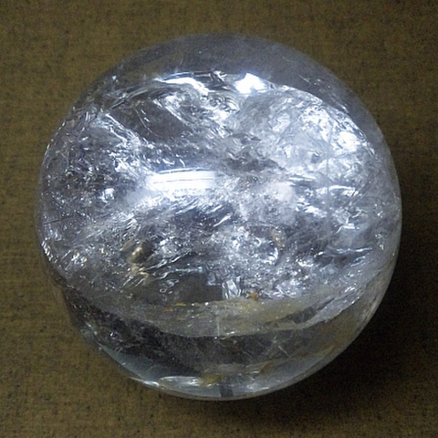 超特大レインボー入り透明水晶玉124mm