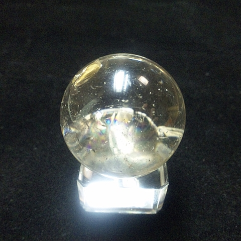 レインボー入り透明水晶玉38mm