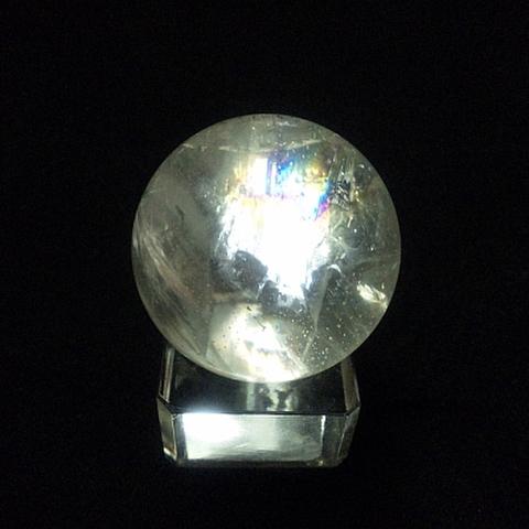 レインボー入り透明水晶玉37mm
